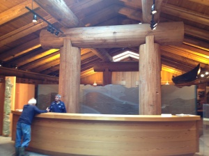 The  Museum of Northern BC is built with enormous logs of red cedar. Simple and rough and beautyful